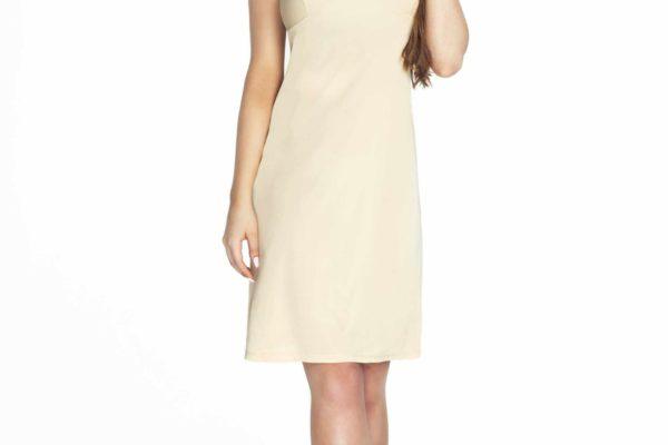 modelka w kremowej halce adela