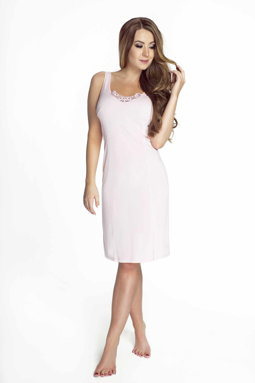modelka w bialej halce
